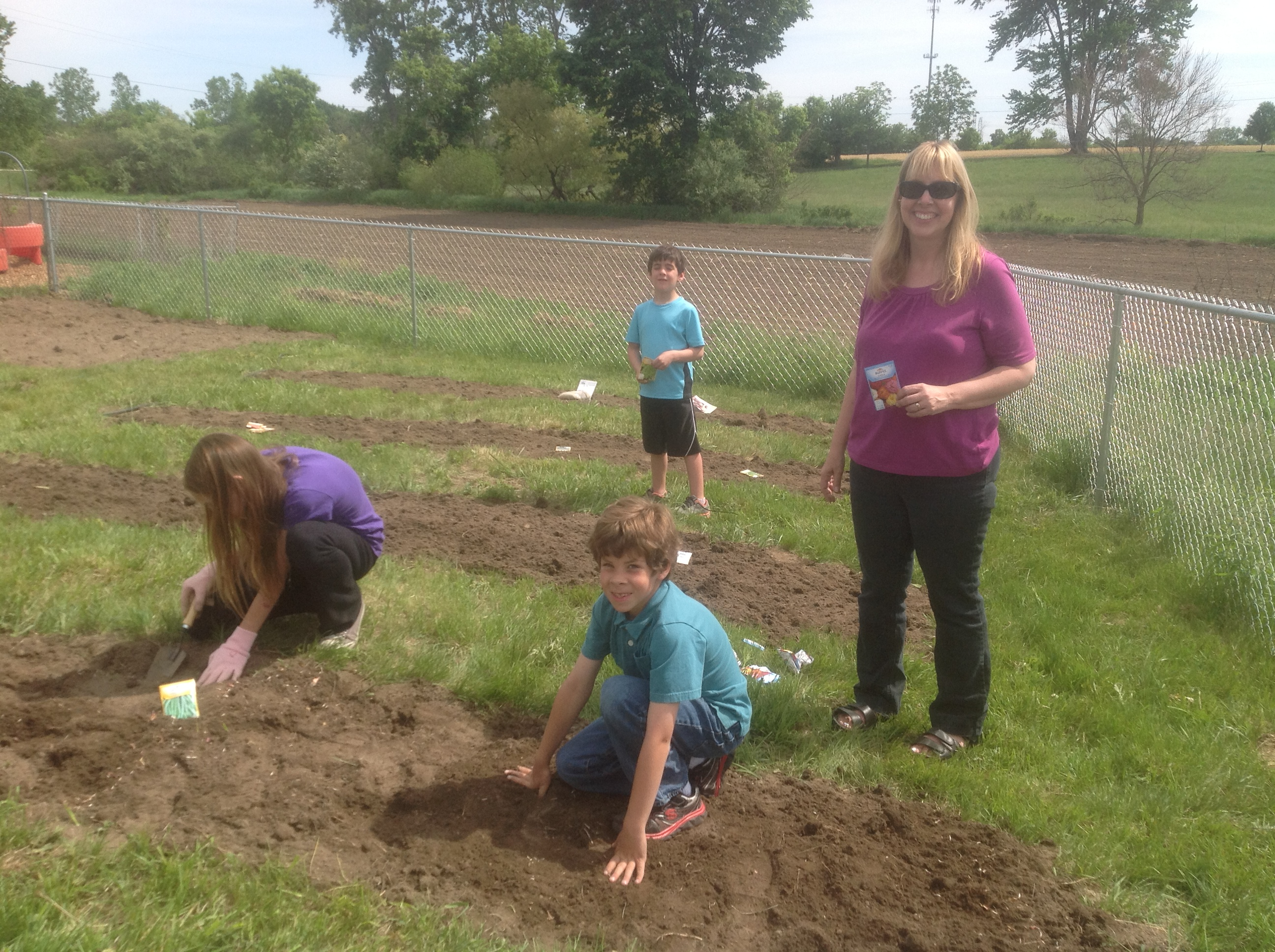 Planting Day Childrens Garden Montessori Of Canton Preschool And Kindergarten